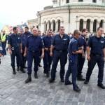 полицаи на протест