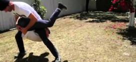 ВИДЕО: Ето какво правят момчетата, когато им е скучно на двора!