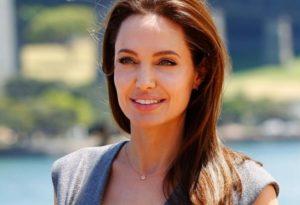 Драматичен обрат Анджелина Джоли призна за нежни чувства към Брад Пит