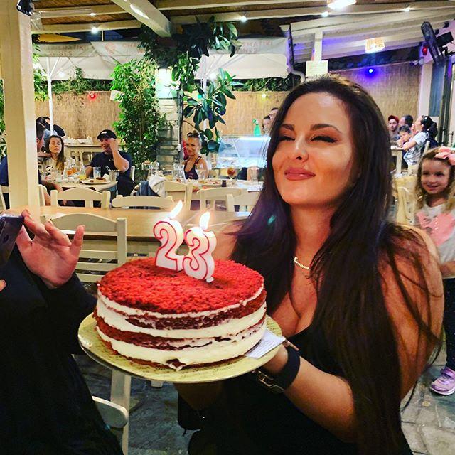 Симона Загорова с рожден ден в Гърция